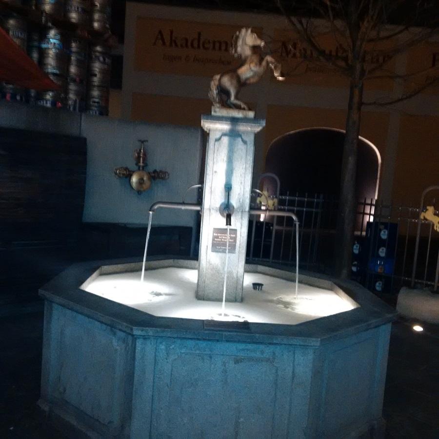 Bierbrunnen im Hof